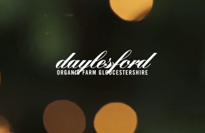 Daylesford logo and light sparkles