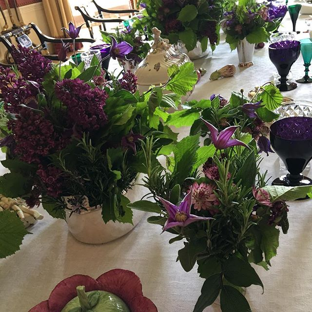 Lilac and green for Sunday lunch table #lilac