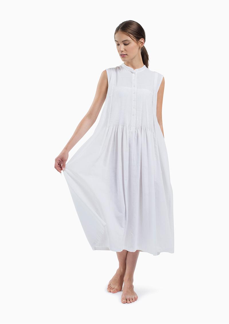pleat font dress look