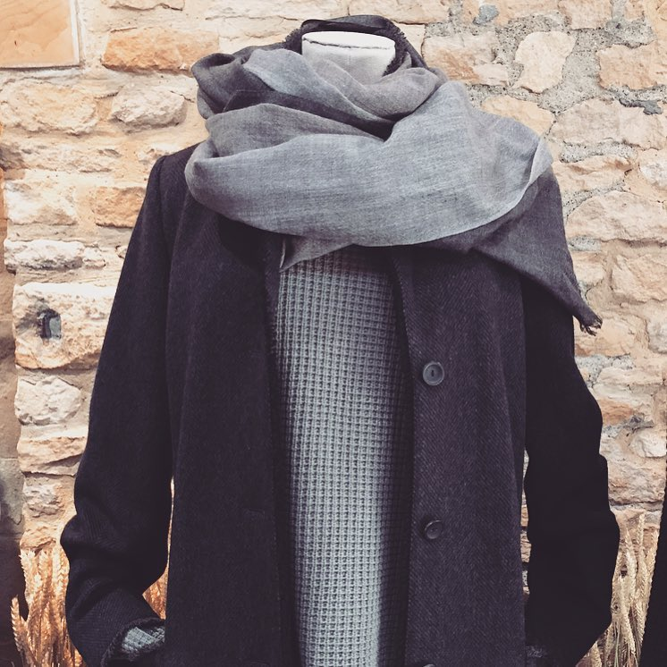 Looking forward to wrapping up warm in Bamford as the weather turns chilly #cashmere #natural #textures #autumn #winter @bamfordjournal #cotswolds #draycottavenue #southaudleystreet