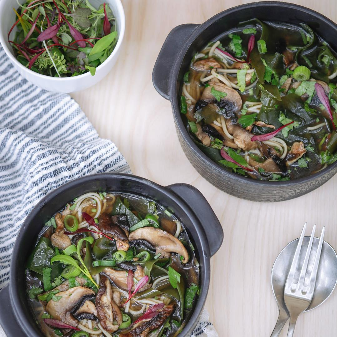 Lots of delicious seasonal recipes to download in our new E-book, including this wild mushroom, brown rice noodle & seaweed broth. The link is in my bio @daylesfordfarm #bonebroth #organic #seasonal #nourishing #winter #recipes