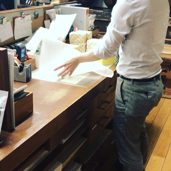 Wrapping is an art in one of the oldest tea shops in town #green tea #Kyoto #wrapping