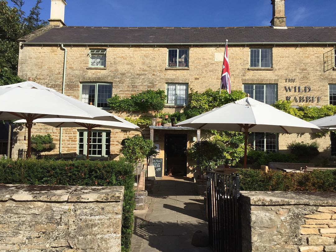 Hoping for blue skies and drinks on the terrace at The Wild Rabbit this weekend #cotswolds #summer #drinks #michelinstar @thewildrabbitkingham