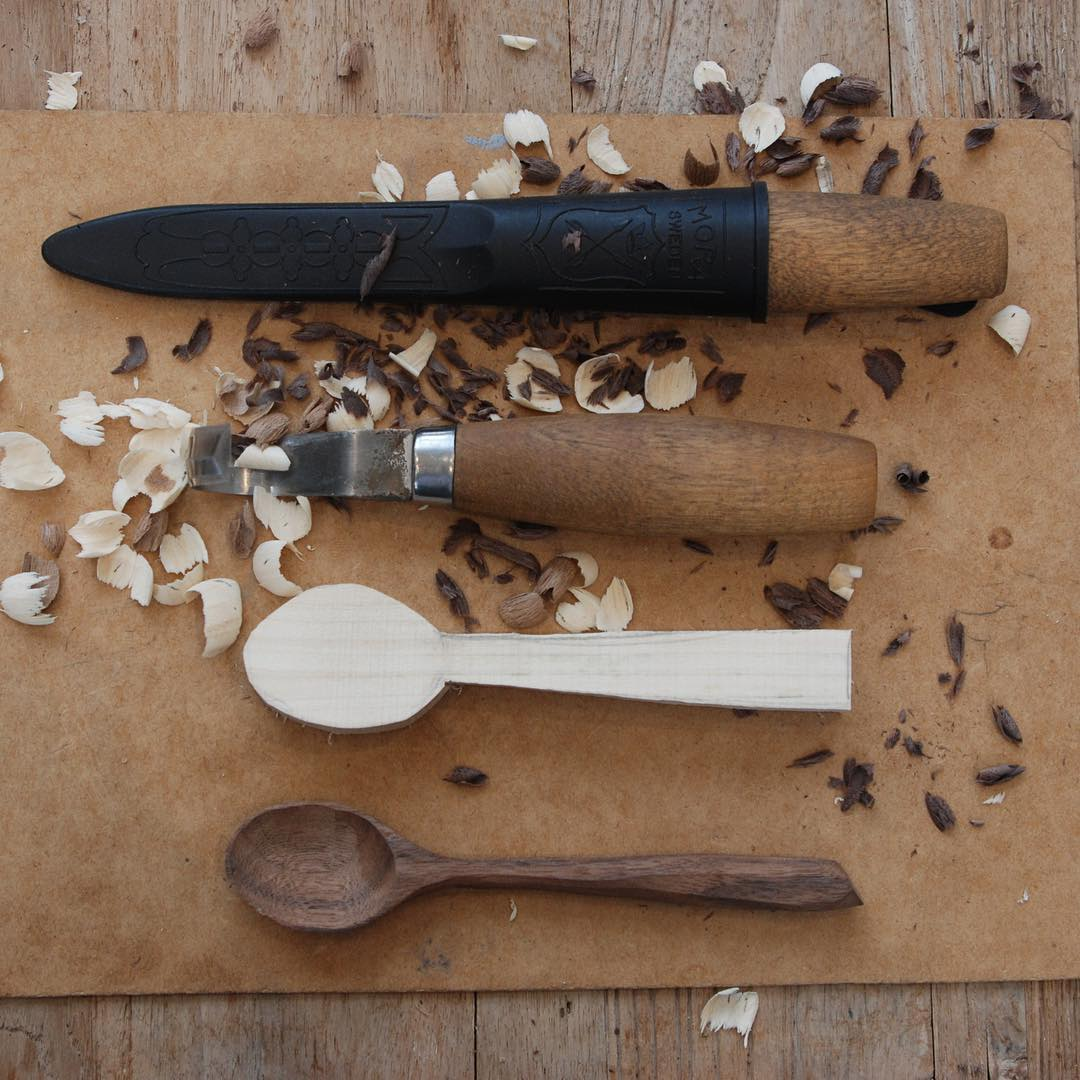 Thank you @grainandknot for a fantastic spoon carving workshop at the farm yesterday. Looking forward to the next class in September #artisan #craft #spooncarving @daylesfordfarm