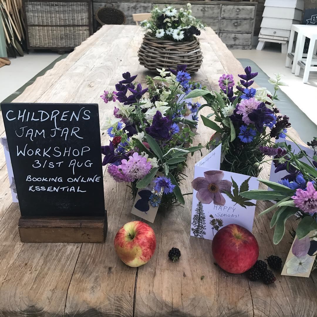 Just before school why not have fun in our workshop @daylesfordfarm #funforkids #englishflowers #homegrown