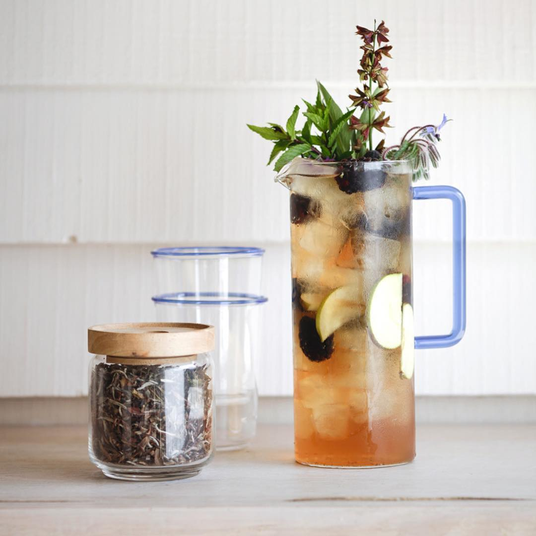 In Western cultures we tend to think of iced tea as a sweet summer indulgence, but a homemade infusion can be a healthful, sugar free tonic year-round. This recipe for Cold Brew Ice Tea is on my blog now and celebrates our new range of organic teas and herbal infusions #herbal #coldbrew #infusion #wellness #organic #tea @daylesfordfarm