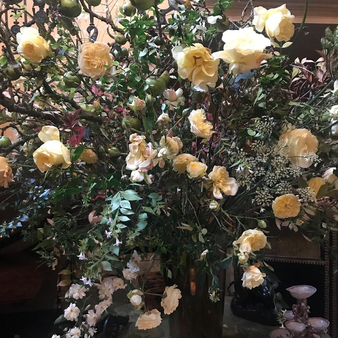 Beautiful arrangement from the florist @daylesfordfarm #homegrown #organic #autumn