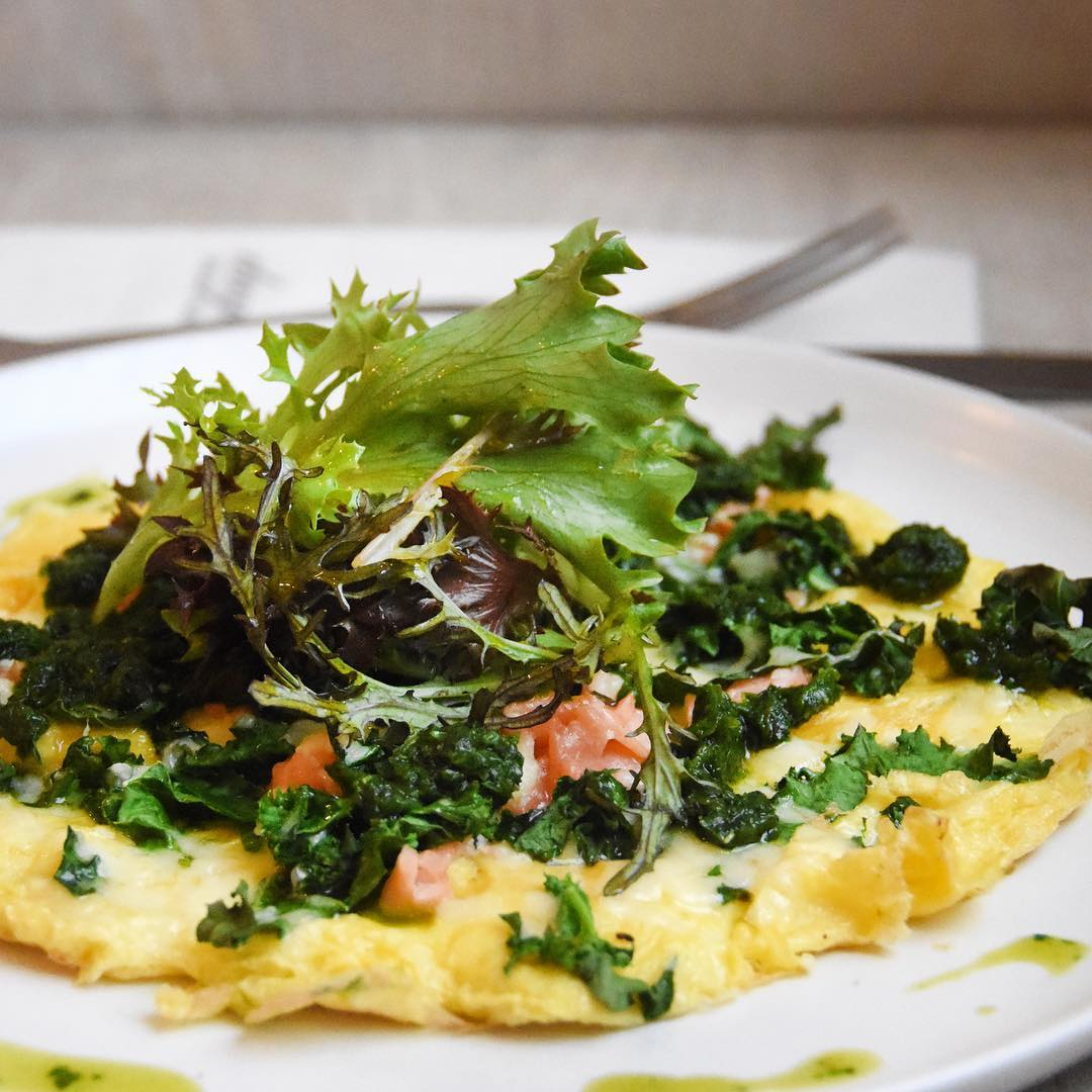 For me the best superfoods are ones that can be found thriving on our doorsteps. Starting the week with an omelette with homegrown kale and salad leaves from the garden, smoked salmon and wonderfully deep orange eggs from our organic and truly free range Daylesford hens We serve this as one of our breakfast specials at Daylesford – always a favourite #eattobehealthy #chooseorganic #seasonal #eatwiththeseasons #wellbeing #wellness #nurtue #nurturenature
